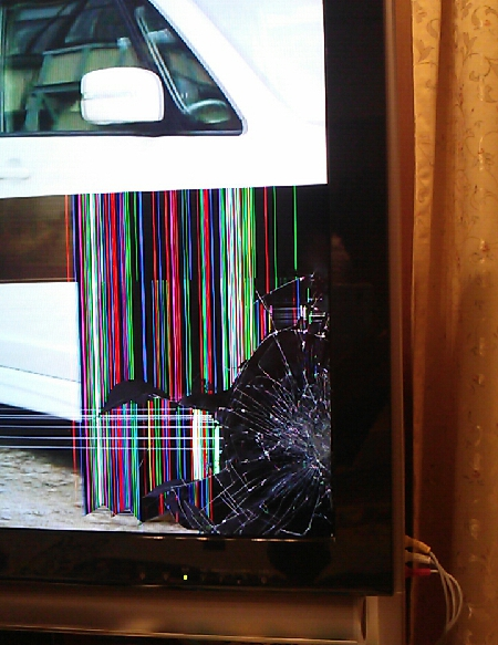 液晶画面を壊したテレビ